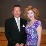 千昌夫さんと網走市民会館でハイポーズ